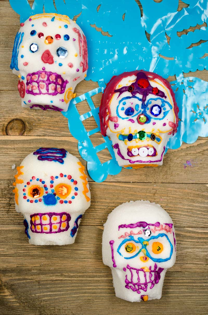 Estas calaveritas de azúcar veganas son perfectas para celebrar la hermosa tradición del día de los muertos.