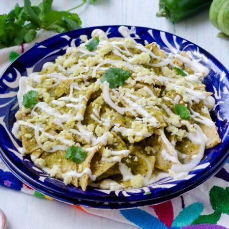 Chilaquiles verdes veganos